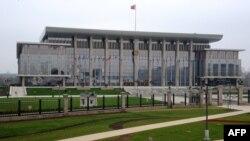 Pamje e Pallatit të Pavarësisë në Minsk të Bjellorusisë