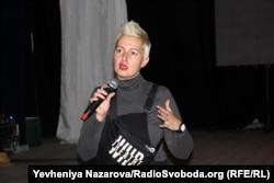 Засновниця «Дикого театру» Ярослава Кравченко під час презентації проєкту в Запоріжжі. 2 грудня 2019 року