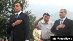 Саакашвили былтыркы согушта курман болгондорду эскерүүдө