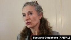 ЕҚЫҰ-ның Қазақстандағы сайлауды бақылау миссиясының басшысы Корнелия Йонкер. Астана, 27 сәуір 2015 жыл.