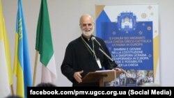 На той час у сані єпископа Української греко-католицької церкви Борис Ґудзяк виступає на форумі в Римі, 6 жовтня 2018 року