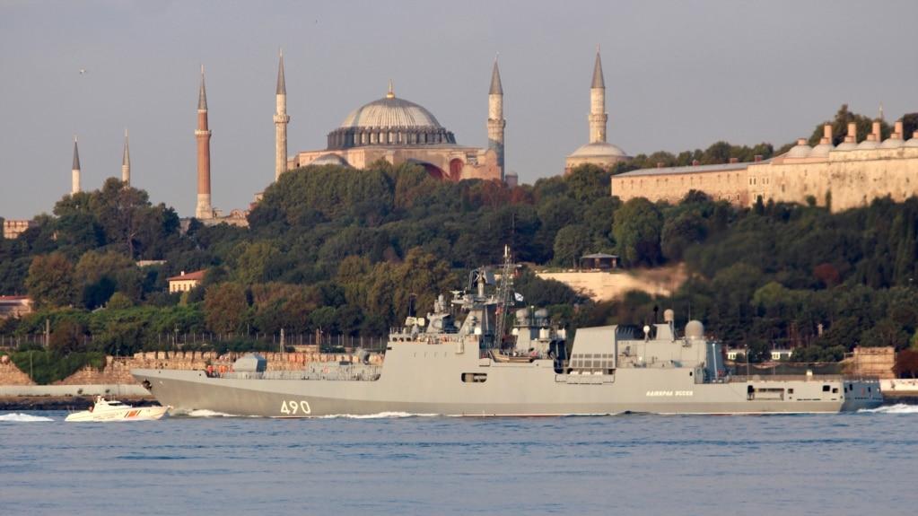 Admiral Essen prilikom prolaska kroz istanbulski Bosfor, 25. avgust