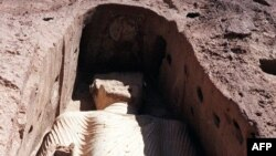 مجسمههای بودا در بامیان در سال ۲۰۰۱ توسط طالبان تخریب شد.