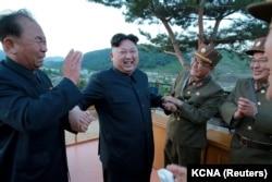 Түндүк Кореянын лидери.