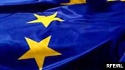 « اعلاميه برلين»، به امضای آنگلا مرکل صدراعظم آلمان، خوزه مانوئل باروسو، رييس کميسیون اروپا و هانس گرت پوترينگ، رييس پارلمان اروپا رسيد.