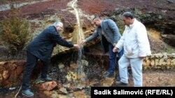 Tim srebreničkih ljekara na izvoru Crnog Gubera