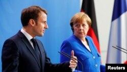 Емманюель Макрон із Анґелою Меркель під час саміту ЄС – Балкани. Берлін, 29 квітня 2019 року