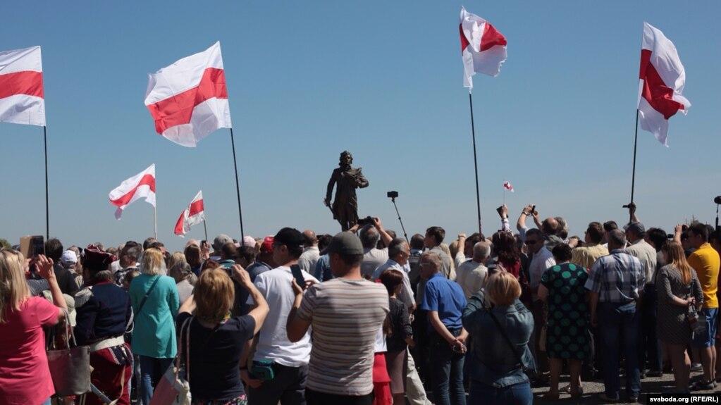 Памятник Тадеушу Костюшко установили в его родовой усадьбе в Ивацевичском районе