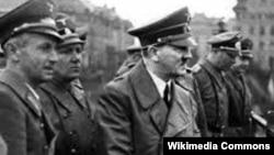Адольф Гитлер в Мариборе (Словения). Архивное фото 1941 года