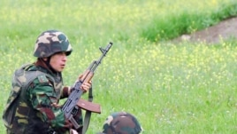Nagorno-Karabakh -- Karabakh Armenian soldiers hold military exercises