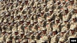 به گزارش خبرگزاری ها، کيم جانگ سو، وزير دفاع کره جنوبی دستور به آماده باش کامل نظامی بيش از ۶۰۰ هزار نيروی ارتش اين کشور را صادر کرده است.
