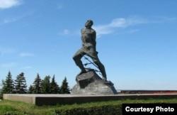 Муса Жалилдин 1966-жылы тургузулган эстелиги. Казан шаары, Татарстан, Орусия.