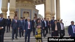 Сафари гурӯҳи соҳибкорони ӯзбак ба Суғд