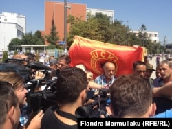 Приштина. Протест ветеранов войны. Лето 2015 года