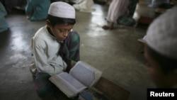 Учащийся медресе в Дакке, Бангладеш. Иллюстративное фото.