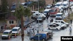 На месте взрыва в Измире 5 января 2017 года