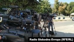 Камери, сниматели пред Алепациски суд во Скопје