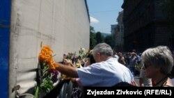 Kamion sa posmrtnim ostacima žrtava iz Srebrenice
