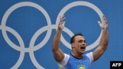 Илья Ильин, казахстанский тяжелоатлет.