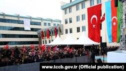 Azərbaycan-Türkiyə bayraqları