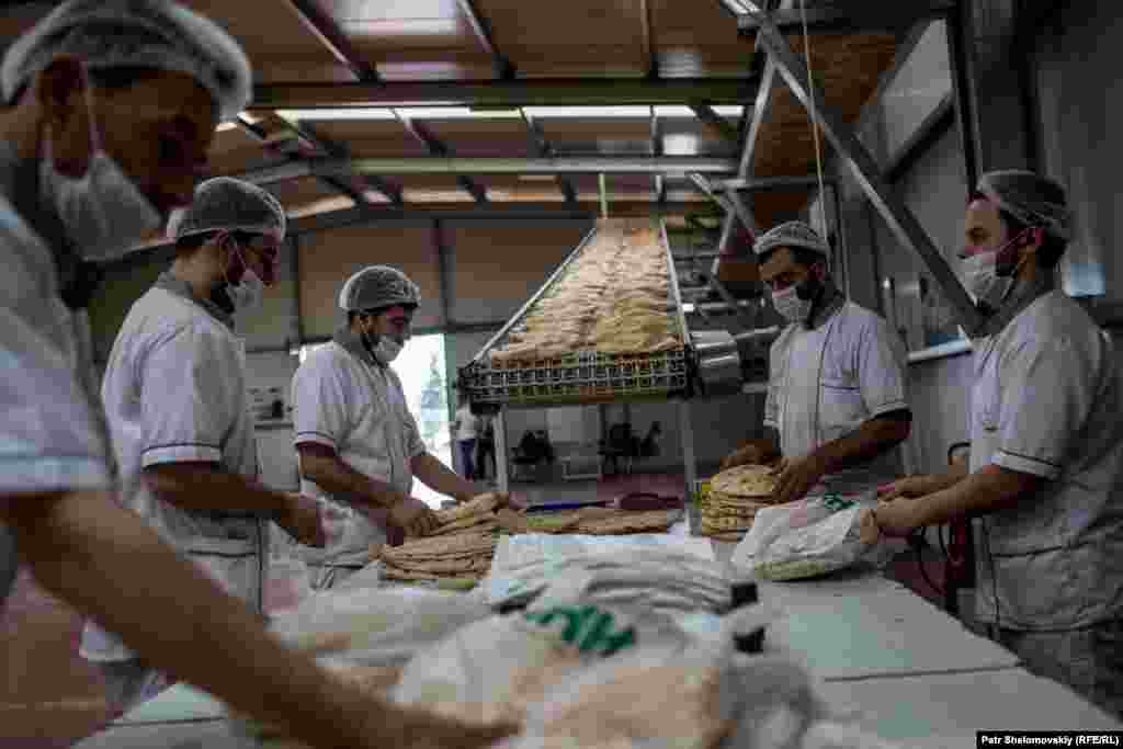 The IHH bakery is operated by 28 people working in two shifts.