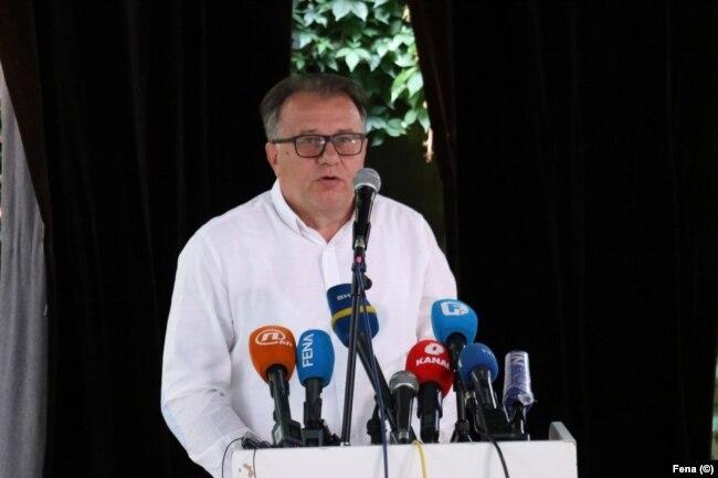 Nikšić: Visoki predstavnik je iskoristio svoje ovlasti i donio zakon. Njegov zakon se može promijeniti samo pošto bude usvojen u parlamentu Bosne i Hercegovine u onom obliku kako je on proglasio.