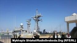 Фрегат Королівських ВМС Канади «Торонто» і фрегат ВМС Іспанії «Санта Марія» прибули до Одеси