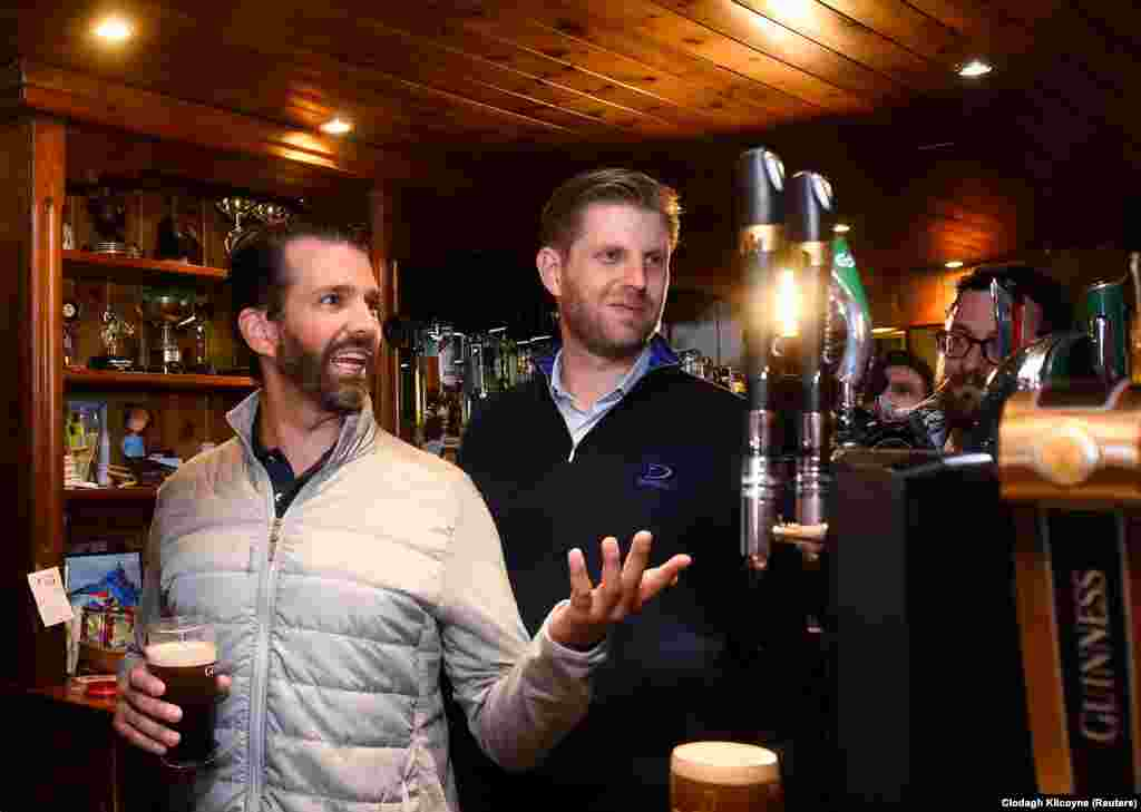 U.S. President Donald Trump's sons Eric and Donald Trump Jr. visit a local pub in Doonbeg, Ireland. (Reuters/Clodagh Kilcoyne)
