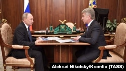 Leonid Mikhelson la o întîlnire la Moscova cu președintele Putin, februarie 2019