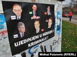 Nezadovoljstvo nesposobnom političkom elitom: Posteri kojima su izljepljeni gradovi u BiH