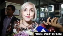 Одна из российских учителей, прибывших в Таджикистан.
