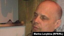 Игорь Кавтрев азық-түлік бағасының өсіп бара жатқанына наразы. Семей, 26 наурыз 2012 жыл.