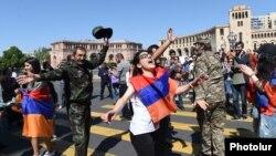 Демонстранти ги блокираат улиците денеска низ Ереван