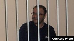 Журналист Эйнулла Фатуллаев қамауда отыр. Баку, 18 мамыр 2007 жыл.