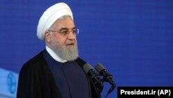 У травні Хасан Роугані заявив, що його країна відновить високий рівень збагачення урану, якщо світові лідери не захистять її інтереси від дії санкцій США