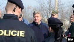 Президент Македонії Джорґе Іванов (в центрі)
