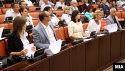 Комисиска расправа во Собранието за законите за медиуми.