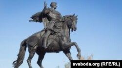 Помнік князу Ўсяслау Чарадзею ў Полацку