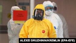 Putin 24 mart kuni koronavirus yuqtirganlar saqlanayotgan kasalxonaga bordi.