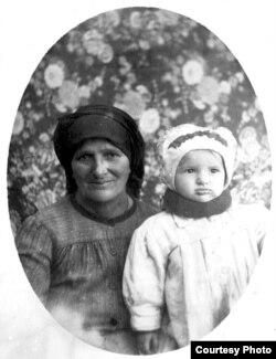 Moldoveni deportați în Siberia, fotografie de epocă