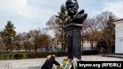 Крымский праздник Шевченко. Как на полуострове отмечали день рождения Кобзаря (фоторепортаж)