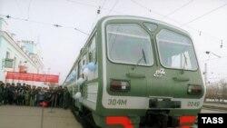 Молодой человек скончался на месте, а убийцы прокричали «Слава России!», сорвав стоп-кран, остановили электричку и сбежали