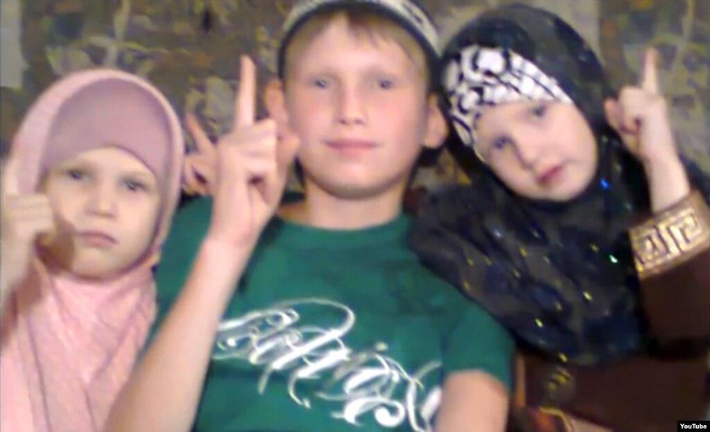 Дети Рафиса Галиуллина и Натальи Войтенковой. Кадр с сайта YouTube.