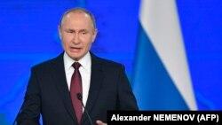 Путін: Росія готова до переговорів стосовно роззброєння, але «стукати в закриті» не буде