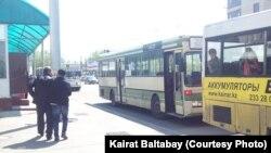 Автобусы в центре Алматы. Иллюстративное фото.
