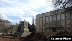 Розкопки церкви на місці колишнього пам'ятника Леніну, Кривий Ріг (фото Криворізького історико-краєзнавчого музею)