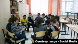 Во время уроков.