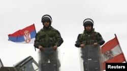 FOOTOGALERIJA - Kosovo: Uklanjanje barikada u Jagnjenici, 5. decembar 2011.
