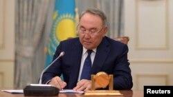 نورسلطان نظربایف با مسکو رابطهای نزدیک دارد.