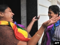 ЛГБТ-сообщество Индии в 2009 году радовалось решению Высокого суда Дели